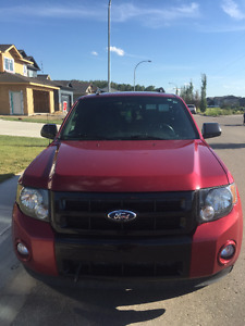 2012 Ford Escape, heated seats, remote start low km!