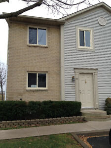 3 Bedroom Townhouse - St. Catharines  Avail July 1/16 $1300/mon