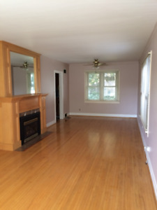 Niagara Falls: House for Rent Available January 1 .