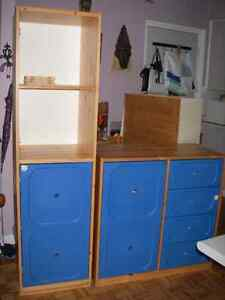 2 commodes/armoires/dressers: ikea TROFAST