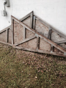 FREE three Gable end trusses