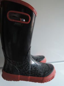 Rain boots size 4 youth for sale