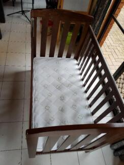 Cot Solid wood with free mattress, free mesh sides