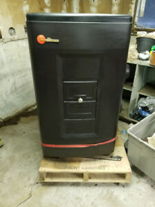 ** SOLD PPU ** Oil Furnace / Stove