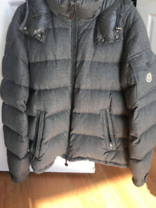 Moncler Montgenevre in grey colour size 4.  Very good condition.