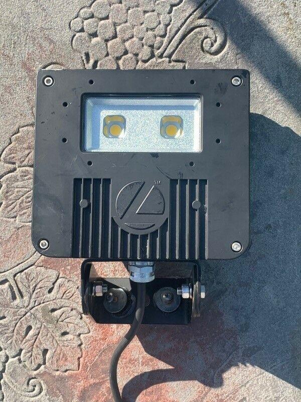 lithonia lighting led floodlight 120-277V