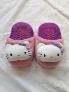 Hello Kitty slippers kid size small