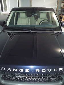 Extremely well taken care of range rover 2011