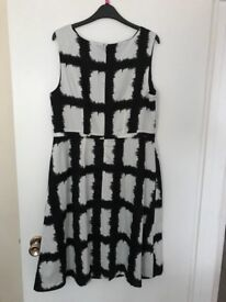 BNWT TU white/black dress size 14