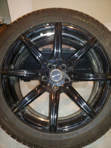 Michelin Winter tires 18 inch on alloy rims.