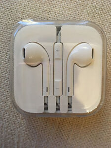EAR PHONES IN CASE-I phone