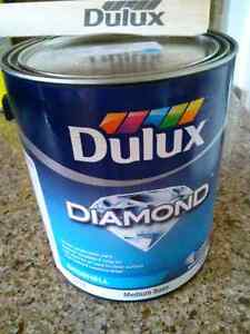 Dulux diamond eggshell/coquille. D œuf couleur bleu