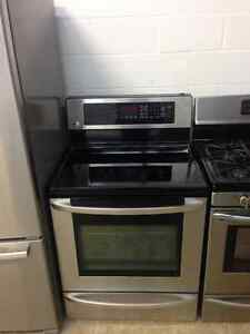 Seven year old LG stainless stove Cambridge Kitchener Area image 1