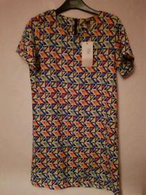Lovely patterned dress M/L