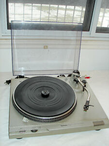 Table Tournante Technics SL-D2 Direct Drive Turntable