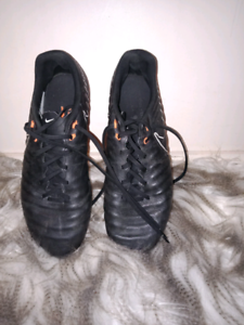 NIKE TEMPO MENS SIZE 10 RUGBY BOOTS Ormeau Gold Coast North Preview