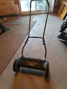 Push Lawn Mower - Yardworks 14 inch