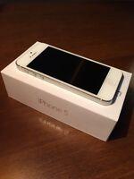 iPhone5 16G en très bonne condition