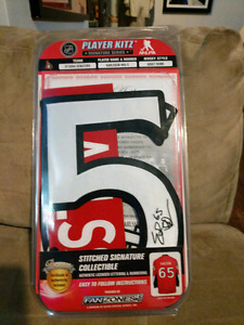 Erik Karlsson Stitched Signature Collectible for Sale