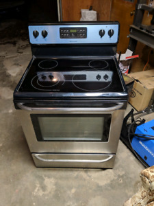 frigidaire electric stove new condition