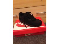 Brand New Nike Air Max 90 Essential in Black Size 7 UK Size