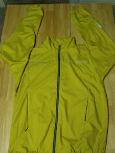 MEC mountain equipment co-op supermicroft windbreaker.