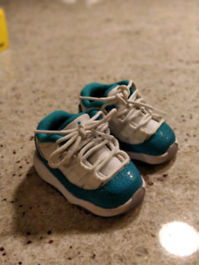 Retro Nike Jordan 11 Retro Low GT infant size 2