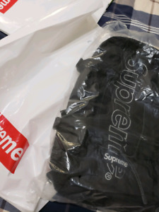 SUPREME FW18 BLACK BACKPACK