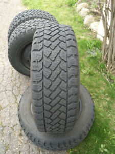 4 x winter snow tires + rims 215/65/16