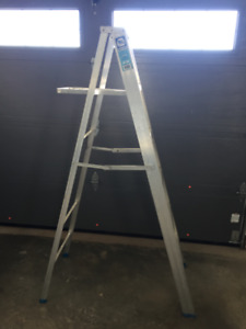 6 FT ALUMINUM LADDER