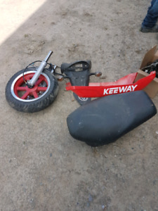 Lot de piece de scooter keeway