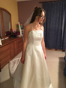 Alfred Angelo Wedding Dress - Size 4/6