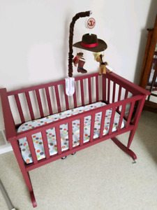 Matching bassinet and crib