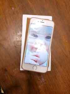 Iphone 6 gold 16gb unlocked in mint condition