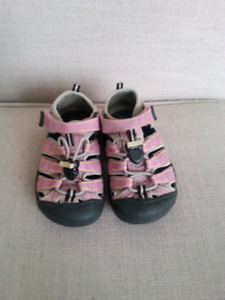 Keen Girls Sandals size 10