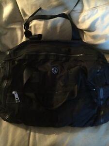 Lululemon Weekend Warrior  bag