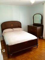 Set de chambre antique en bois massif, 3 morceaux