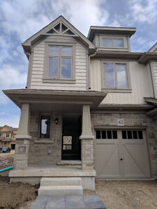 Beautiful BRAND NEW Town Home for Rent in ORANGEVILLE!