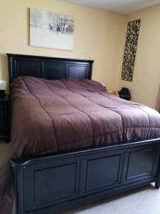 5 years new Queen bedroom set