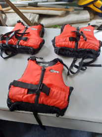 3 buoyancy aids