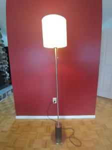 Lampe sur pied Structube
