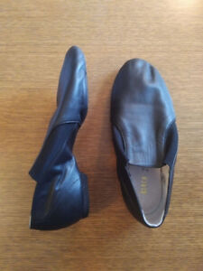 Adult jazz shoes size 7.5