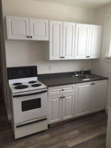 1 BDRM apartment 2nd floor 6plex  *Awesome location*