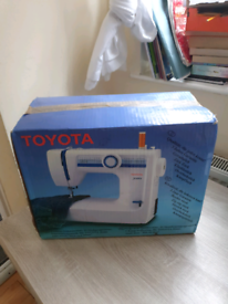 TOYOTA JEANS SEWING MACHINE, BOXED!