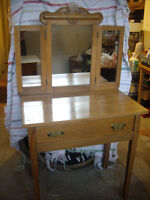 MAPLE COIFFEUSE,VINTAGE,DRESSING TABLE