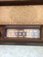 ANTIQUE RADIO COLLECTORS MAKE AN OFFER ON 1938 RCA VICTOR RADIO