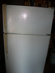 General Electric Fridge For Sale