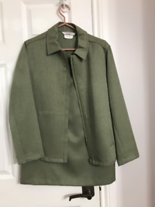 New size 12 Tan Jay two piece women's skirt & zippered jacket
