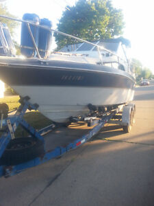 TEMPEST BOAT FULL SIZE WITH BIG TRAILER DOUBLE AXLE