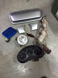Plusieurs petites pieces Subaru wrx 2002 turbo